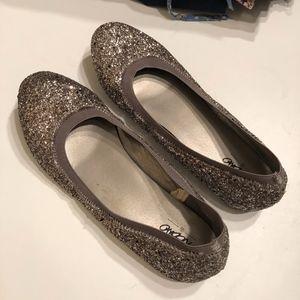 Gray/silver glitter ballet flat